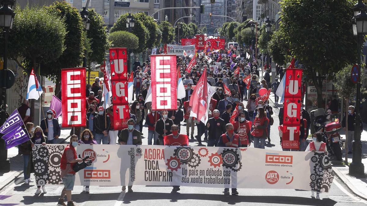 Manifestación de UGT y CC:OO. por el Primero de Mayo en Vigo.