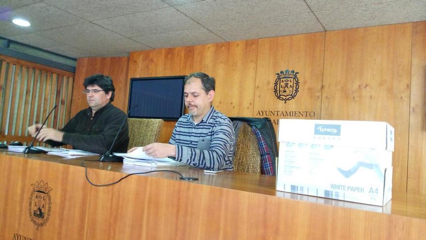 Pavón y Domínguez este lunes durante la presentación de su informe