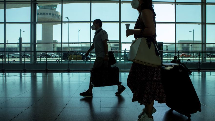 Un estudio del Ayuntamiento de Barcelona plantea eliminar dos de cada tres vuelos con Madrid para reducir emisiones