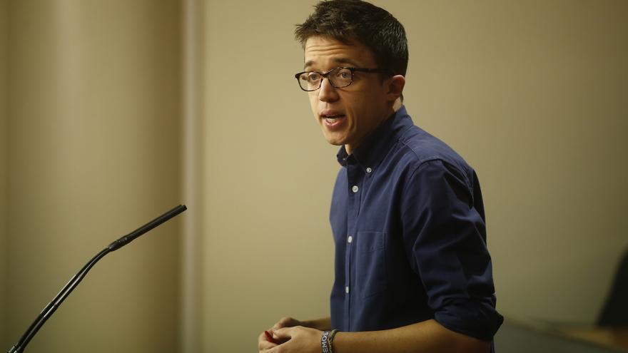 """Errejón acusa al PSOE de """"buscar excusas"""" para apoyar los """"5.000 millones en recortes"""" del Gobierno"""