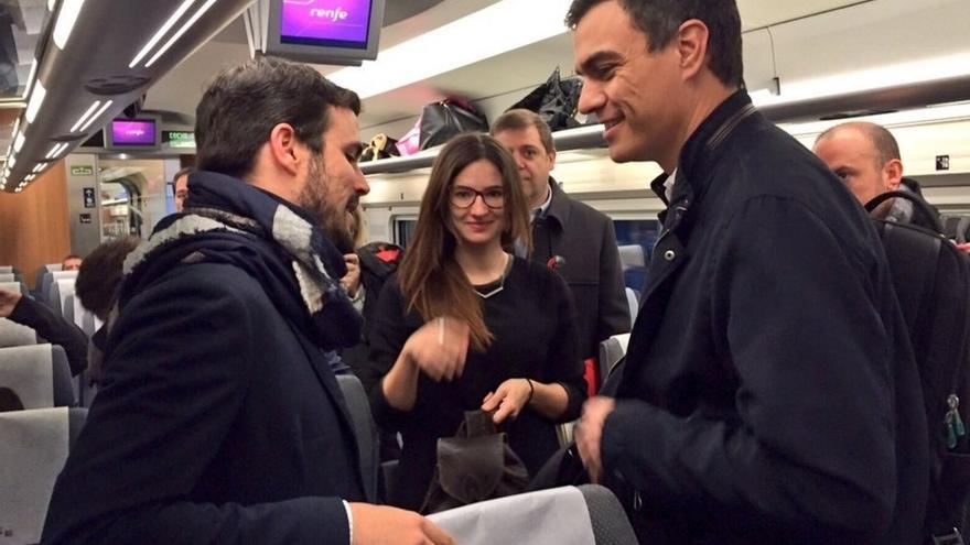 Sánchez mantiene con Garzón la primera reunión para sondear una posible alternativa a Rajoy