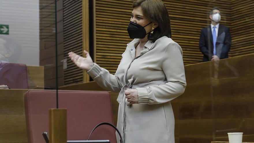 Archivo - La presidenta del PPCV, Isabel Bonig, durante una sesión de control