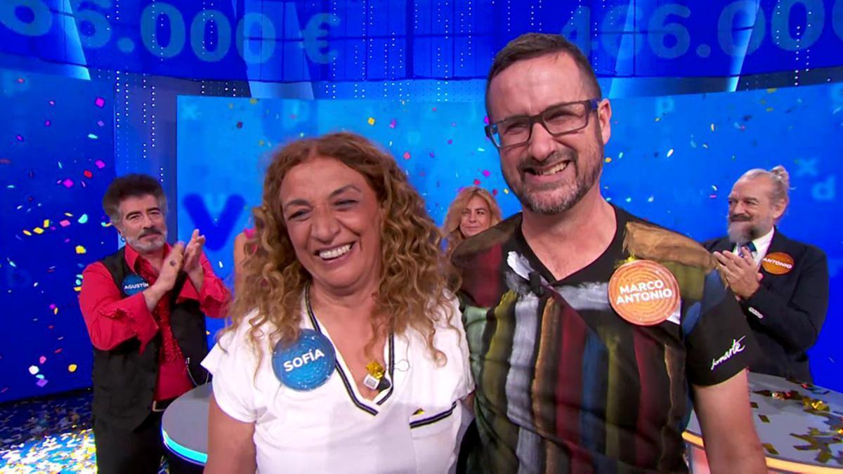 Sofía y Marco Antonio, después de la victoria de la primera en 'Pasapalabra'