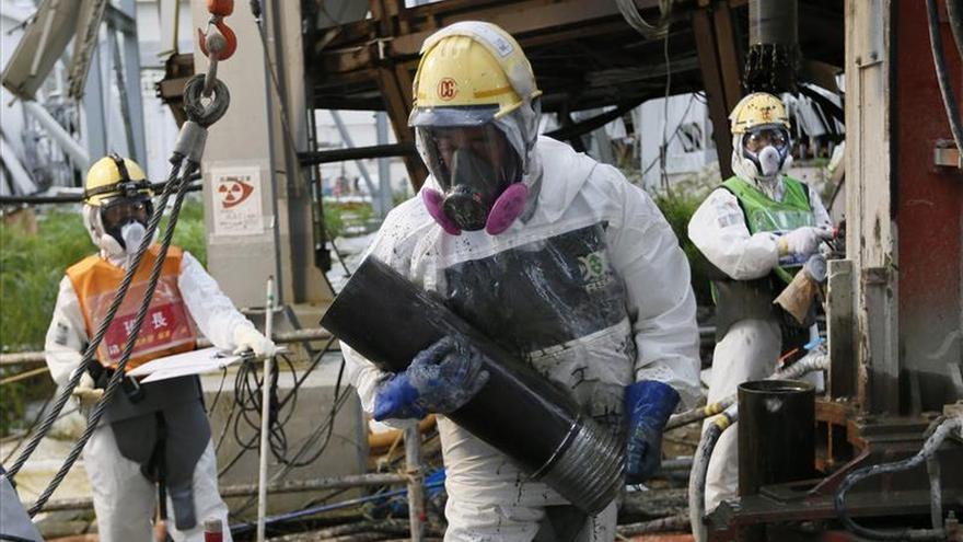 Japón medita evaporar o almacenar bajo tierra agua radiactiva de Fukushima