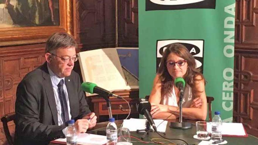 El presidente Ximo Puig y la vicepresidenta Mónica Oltra durante la entrevista