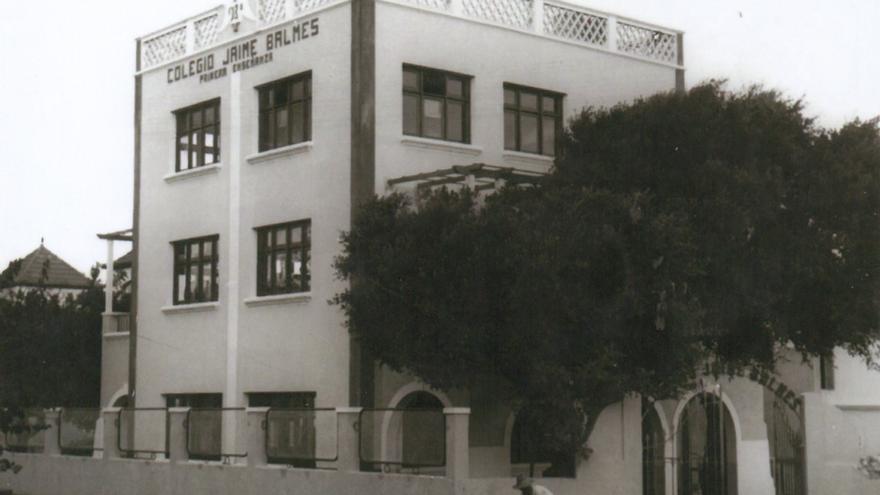 El Colegio de Abajo, los primeros edificios adquiridos por Pedro Sosa en los años 50.