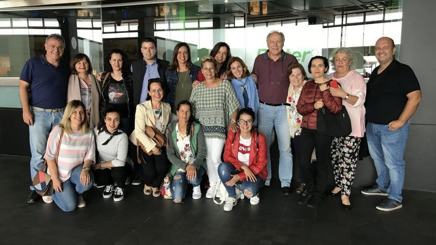 Alumnos y monitores de la primera promoción del curso 'Volar sin miedo' en La Palma.