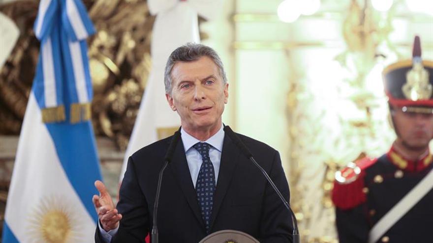 Macri visita a reyes de Holanda en su periplo vacacional en la Patagonia Argentina