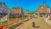 Con Van Eyck volverás al Gante del siglo XV.