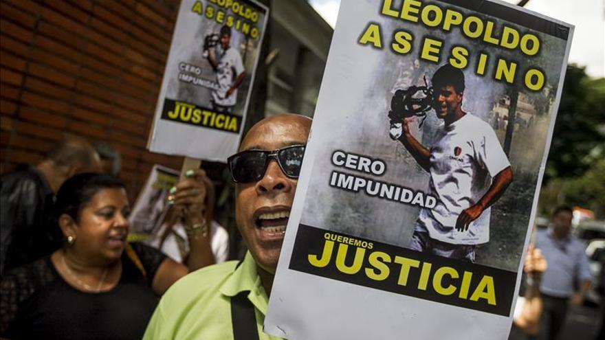 Piden que Leopoldo López sea juzgado por homicidio tras la huida del fiscal
