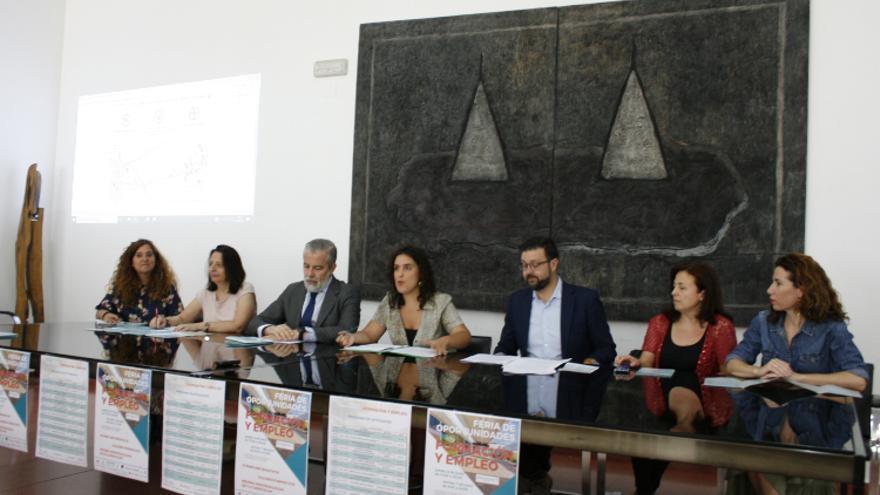 Presentación de la I Feria de Oportunidades de Formación y Empleo del barrio del Polígono / toledodiario.es