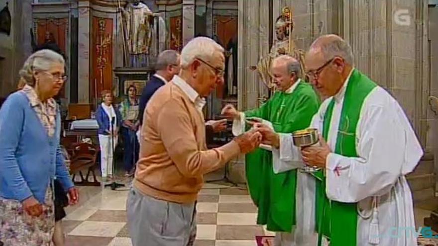 Retransmisión de una misa en la Televisión de Galicia