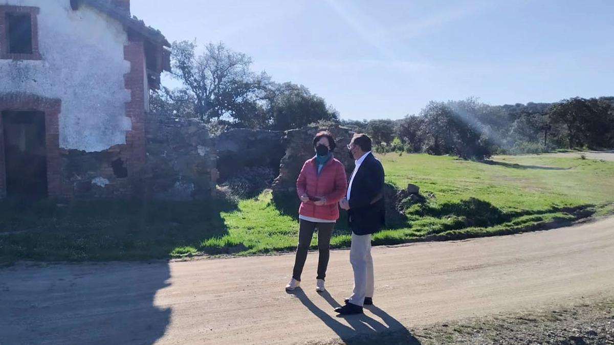 El delegado de Medio Natural y Carreteras de la Diputación de Córdoba, Francisco Palomares, en Villanueva de Duque.