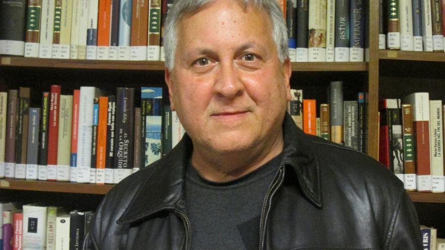 Juan Calero publica su último poemario. Foto: LA PALMA AHORA.