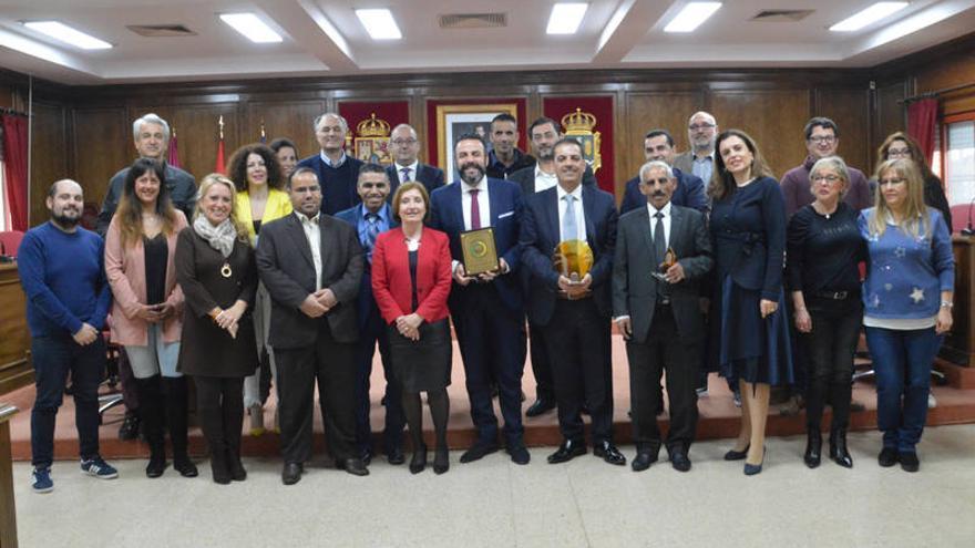 Representantes de la delegación Jordana, junto a los responsables del Ayuntamiento de Azuqueca. FOTO: Álvaro Díaz Villamil/ Ayuntamiento de Azuqueca de Henares
