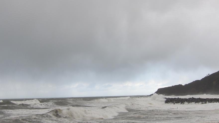 Registradas precipitaciones de 61 litros/m2 en Añarbe (Gipuzkoa) y olas de 5,86 metros en Pasaia