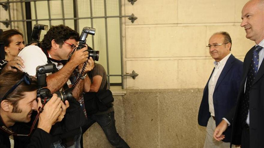 El exconsejero Martín Soler no declara y nadie pide medidas contra él