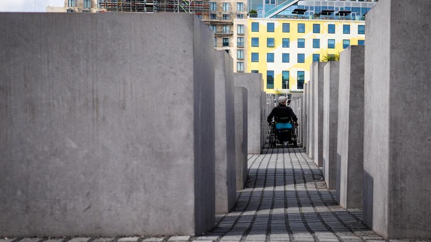 El Memorial del Holocausto en Berlín es accesible para personas en silla de ruedas y con movilidad reducida