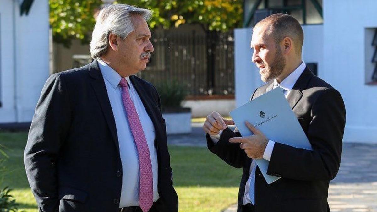 Alberto Fernández y Martín Guzmán ultiman una serie de incentivos económicos luego del mal resultado de las PASO