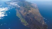 Vista aérea de la isla de La Palma, del sur al norte