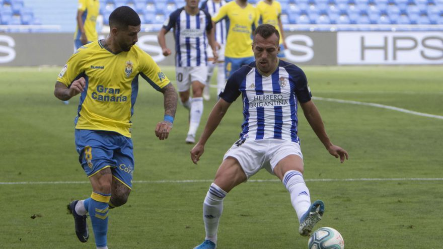 La UD Las Palmas golea a la Ponferradina