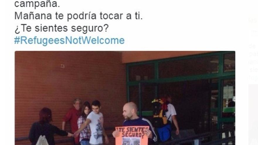 Reparto de panfletos contrarios a las personas refugiadas en la Estación de Autobuses de Cáceres