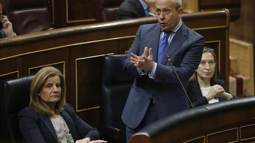 El Gobierno pide un nuevo plazo de matrícula en los colegios catalanes