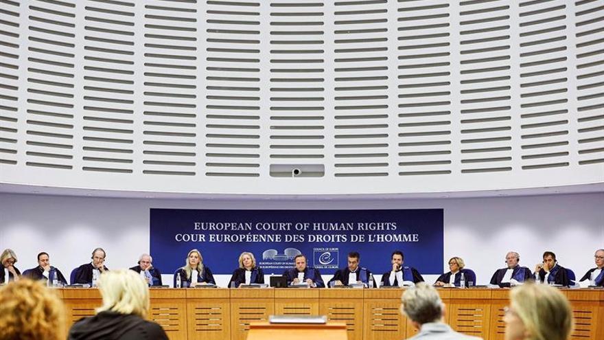 España defiende en Estrasburgo las devoluciones inmediatas de inmigrantes