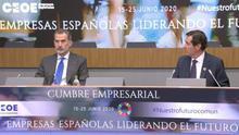 """El rey elogia a los empresarios: """"Defienden nuestra economía, el bienestar de los ciudadanos y el porvenir de España"""""""