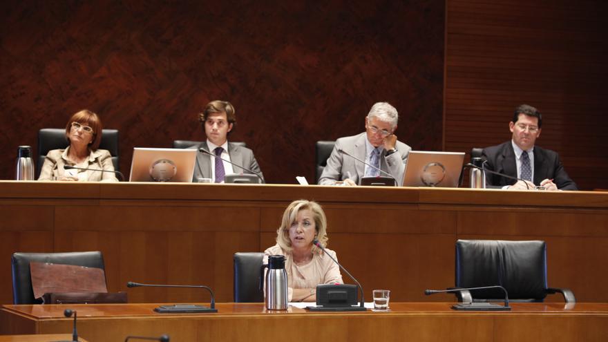La exconsejera de Educación, Dolores Serrat (PP).