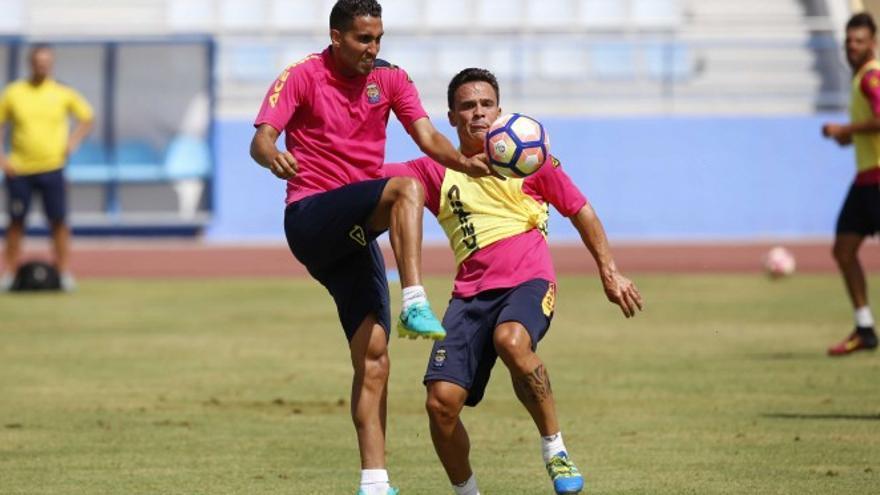 Montoro y Roque Mesa en un entrenamiento (Foto: UD Las Palmas)