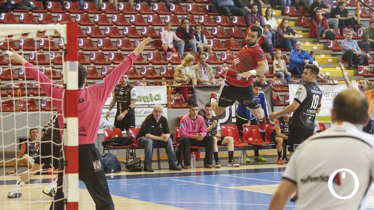 Julián Portero en un partido con el CBM