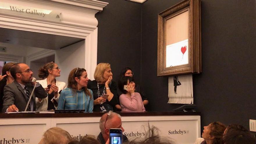 "Banksy lo vuelve a hacer: ""'Going, going, gone!' (se va, se va, se ha ido)"""