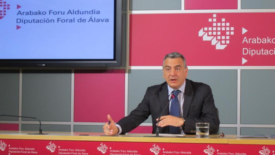 """De Andrés (PP) cree que la fórmula del Parlamento vasco para integrar Treviño en Álava no es """"adecuada"""""""