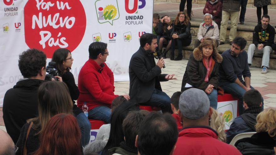 Alberto Garzón en un acto de campaña en Córdoba este martes 8 de diciembre.