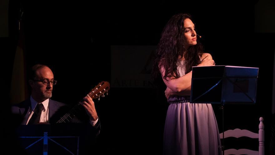 El Café de las Artes acoge el sábado el recital de poesía y música 'Marea de Versos'