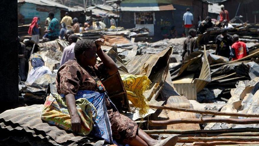 4 muertos y 4.000 casas destruidas en un incendio en barrio chabolas Nairobi