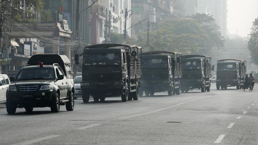 La junta militar birmana declara la ley marcial sobre un bastión rebelde