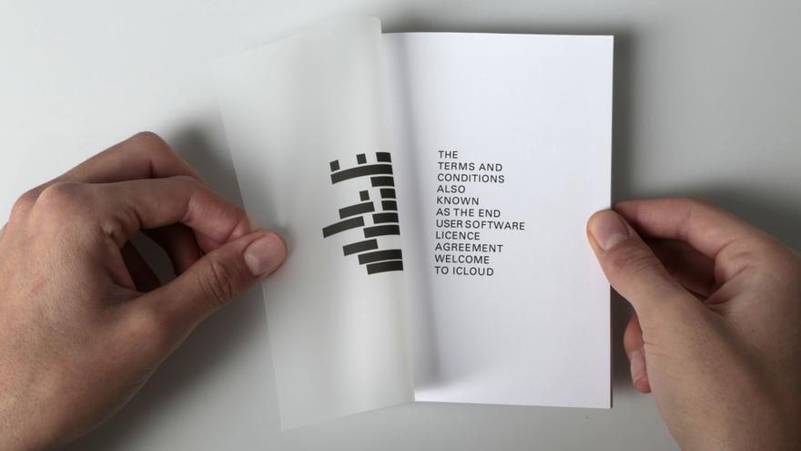 Página del libro 'El hombre que aceptó', sacado de los términos y condiciones de iCloud