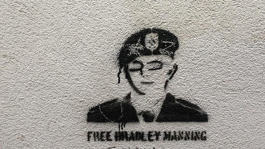 Un grafiti a favor de Chelsea Manning