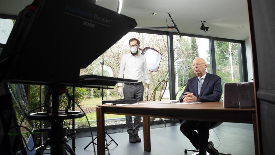 El fundador del Foro de Davos antepone la prosperidad a los beneficios