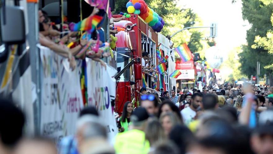 Cuatro heridos, uno grave, al caer desde una carroza en el desfile del Orgullo 2019