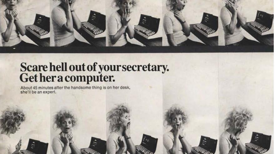 Una secretaria aterrorizada con el Datapoint 2200 en un primer momento