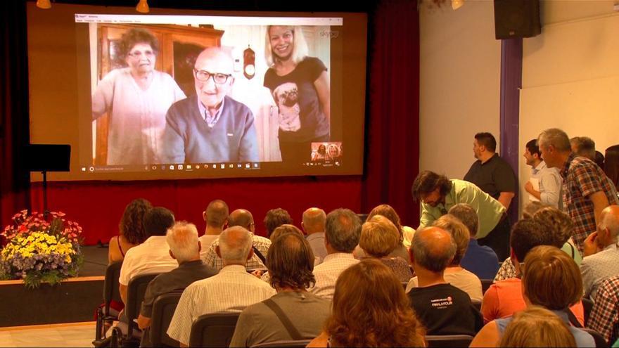 El superviviente del campo nazi de Mauthausen Juan Aznar interviene por videoconferencia en uno de los actos organizados / Foto cortesía familia Aznar