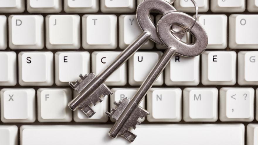 El ataque contra OpenPGP se dirige contra su red de certificados públicos, en la que cualquiera puede corroborar la identidad de una persona.