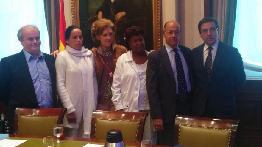 """El PP denuncia la """"connivencia"""" de Zapatero y Moratinos con el régimen castrista que sigue deteniendo a disidentes"""