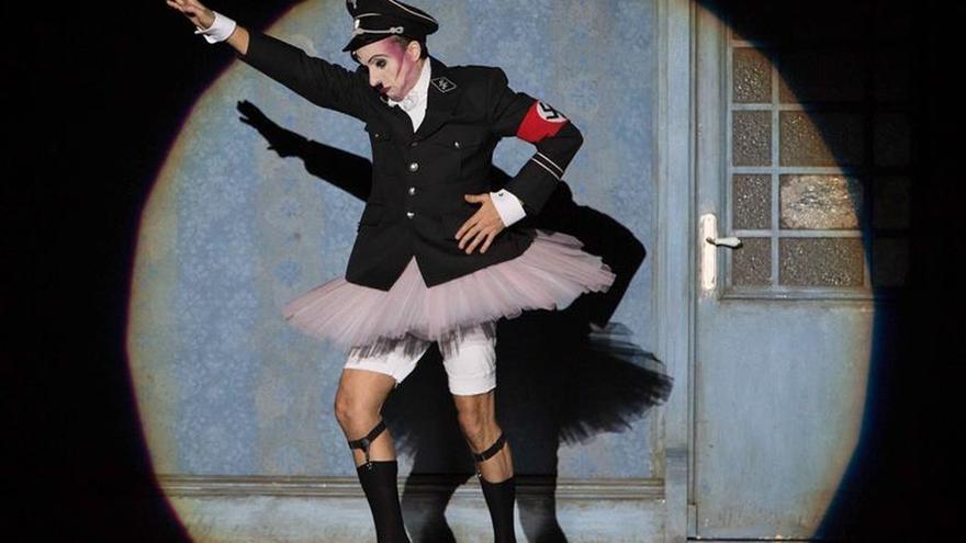 El musical Cabaret muestra en Zaragoza una dramática explosión de luz y color