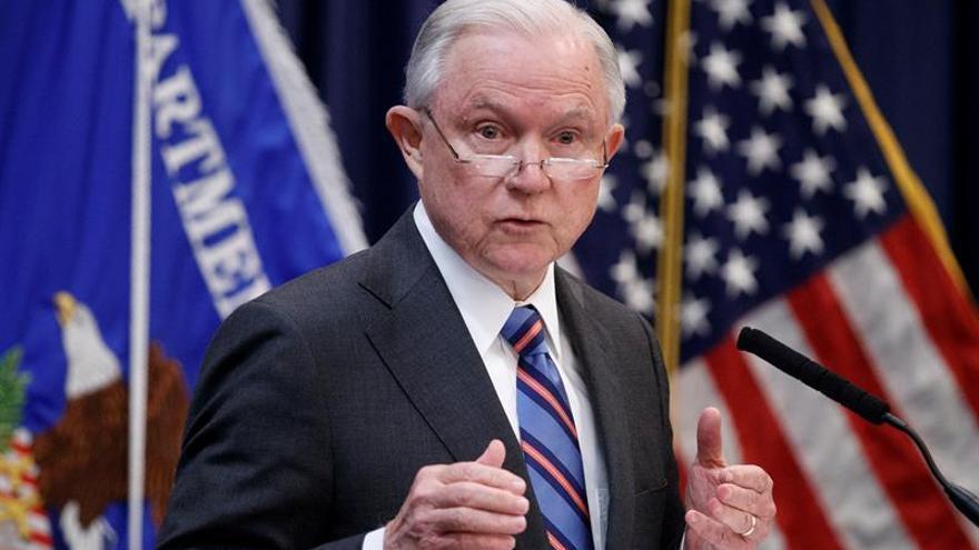 Los demócratas de EE.UU. piden investigar la destitución del fiscal general