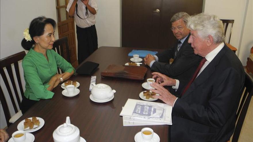 Suu Kyi agradece el apoyo del Club de Madrid para reforzar la democracia