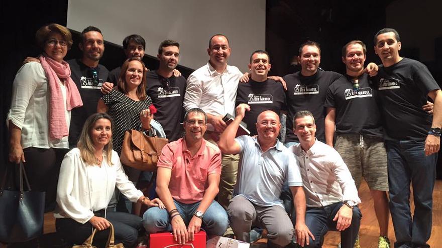 En la imagen, Rayco (de pie, centro, con camisa blanca) después del concurso: Foto: BORJA PÉREZ SICILIA